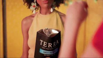 Terra Chips Sweet Potato TV Spot, 'Sweet Potato Colored Glasses' - Thumbnail 3