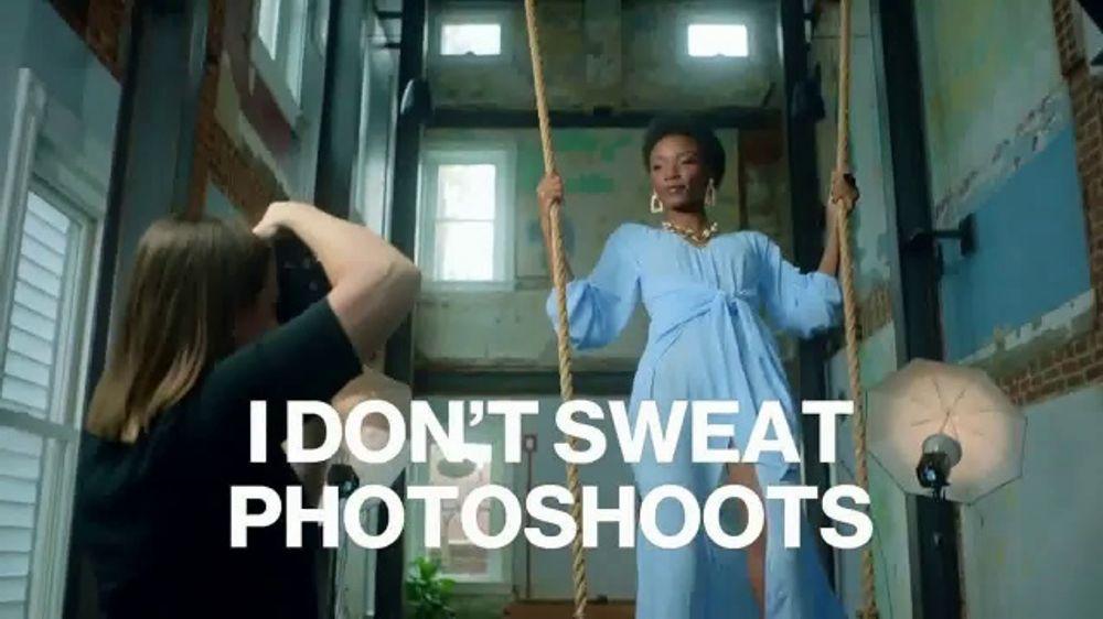 Secret Outlast TV Commercial, 'Women???s World: All Strength, No Sweat'