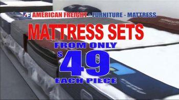 American Freight Mattress Blowout TV Spot, 'Deluxe Foam Mattress Sets and Cooling Gel Top Mattress' - Thumbnail 2
