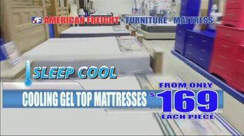 American Freight Mattress Blowout TV Spot, 'Deluxe Foam Mattress Sets and Cooling Gel Top Mattress' - Thumbnail 6