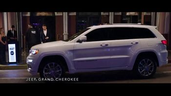 Summer of Jeep TV Spot, 'Grand Party' Featuring Jeremy Renner [T1] - Thumbnail 4