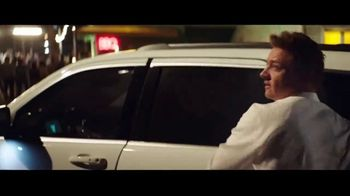 Summer of Jeep TV Spot, 'Grand Party' Featuring Jeremy Renner [T1] - Thumbnail 6