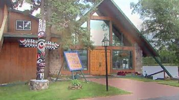 Totem Resorts TV Spot, 'Modern Cabins, Cozy Lodge and Skilled Fishing Guides' - Thumbnail 5
