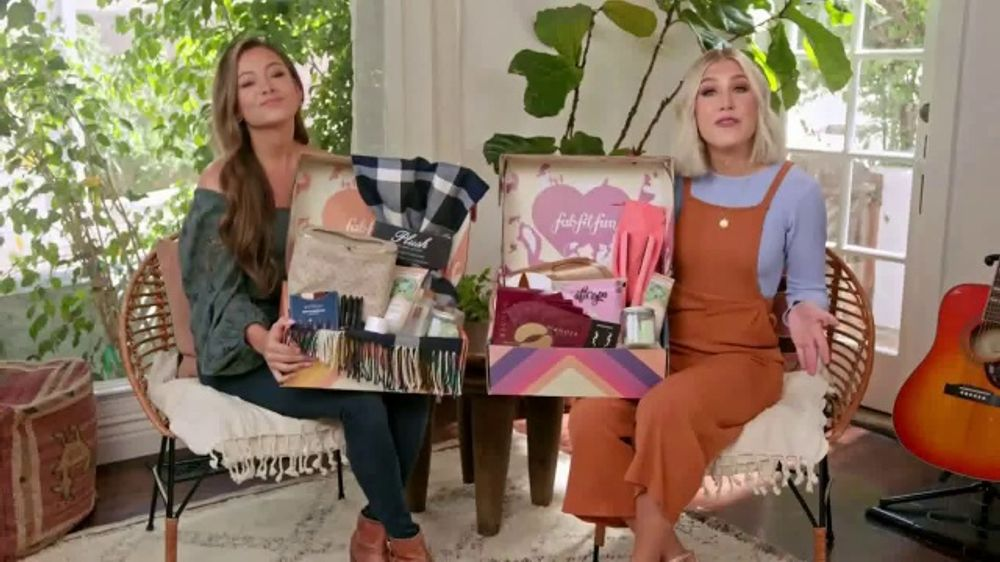 FabFitFun.com TV Commercial,'Fall in Love' Featuring Maddie & Tae