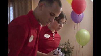 Chick-fil-A TV Spot, 'Bueno provecho: Issac el EMT' [Spanish] - Thumbnail 5