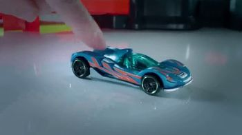 Hot Wheels Colossal Crash TV Spot, 'Challenge Accepted' - Thumbnail 5