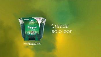 Glade Icy Evergreen Forest TV Spot, 'Espíritu navideño' [Spanish] - Thumbnail 7