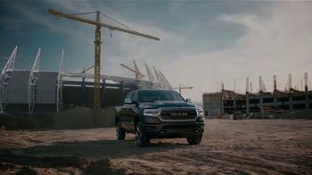 2019 Ram 1500 TV Spot, 'Hemi' Song by Stone Temple Pilots [T2] - Thumbnail 8