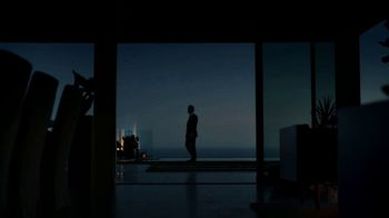 2019 Lincoln MKZ TV Spot, 'Midnight: Jump' Featuring Matthew McConaughey [T2] - Thumbnail 4
