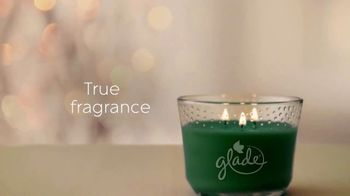 Glade Icy Evergreen Forest TV Spot, 'Holiday Spirit' - Thumbnail 7
