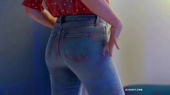 Old Navy High-Rise Slim Straight Jeans TV Spot, 'Reunion: 50 Percent Storewide' Feat. Busy Philipps - Thumbnail 2
