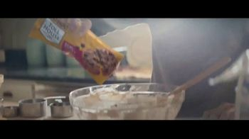 Nestle Toll House Morsels TV Spot, 'Those You Love' - Thumbnail 3