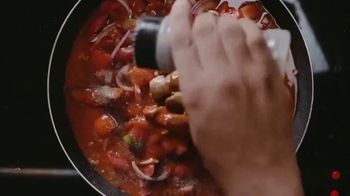 Grace Mackerel in Tomato Sauce Classic TV Spot, 'Flairy' Featuring Ding Dong - Thumbnail 4