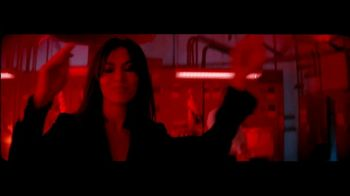Giorgio Armani Code TV Spot, 'Darkroom' Featuring Ryan Reynolds, Song by The Dead Weather - Thumbnail 3