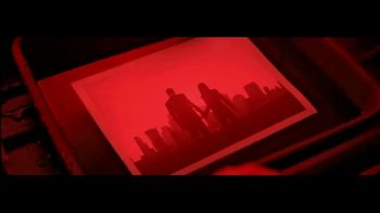 Giorgio Armani Code TV Spot, 'Darkroom' Featuring Ryan Reynolds, Song by The Dead Weather - Thumbnail 4