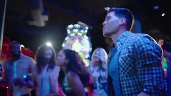 Dave and Buster's All You Can Play for $8 TV Spot, 'Craveable Combos' - Thumbnail 5