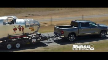 Ram Trucks TV Spot, 'Bigger Things: Look Around' [T2] - Thumbnail 5