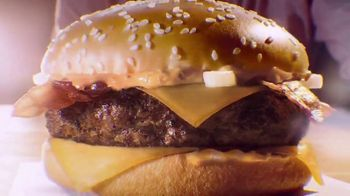 McDonald's Grand McExtreme Bacon Burger TV Spot, 'Popular in Spain' - Thumbnail 4