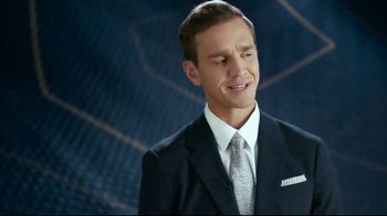 Hotwire TV Spot, 'More for Less' Featuring Kate Abdo, Stuart Holden - Thumbnail 5