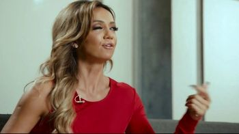 Hotwire TV Spot, 'More for Less' Featuring Kate Abdo, Stuart Holden - Thumbnail 8