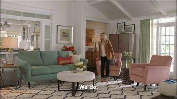 La-Z-Boy Father's Day Sale TV Spot, 'Subtitles' Featuring Kristen Bell - Thumbnail 4