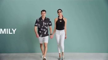 Macy's Friends & Family Sale TV Spot, 'Great Gifts for Dad and Beauty' - Thumbnail 1