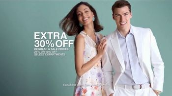 Macy's Friends & Family Sale TV Spot, 'Great Gifts for Dad and Beauty' - Thumbnail 5
