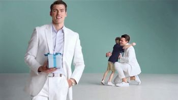 Macy's Friends & Family Sale TV Spot, 'Great Gifts for Dad and Beauty' - Thumbnail 7