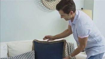 Rakuten TV Spot, 'Ion Television: Home Makeover' Featuring Martin Amado - Thumbnail 6