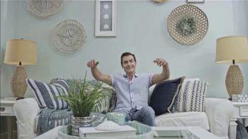 Rakuten TV Spot, 'Ion Television: Home Makeover' Featuring Martin Amado - Thumbnail 9