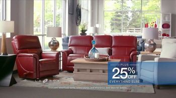 La-Z-Boy Father's Day Sale TV Spot, 'BOGO Recliner Event' - Thumbnail 7