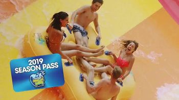 Six Flags TV Spot, 'Hurricane Harbor Splashtown: Wahoo Wave'
