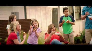 H-E-B Creamy Creations Ice Cream TV Spot, 'Backyard Party' - Thumbnail 7