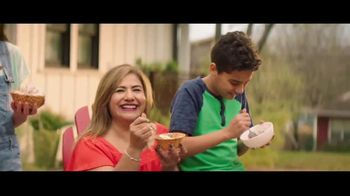 H-E-B Creamy Creations Ice Cream TV Spot, 'Backyard Party'