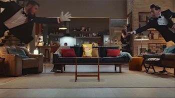 Lay's TV Spot, 'UEFA Champions League: Face Off' Featuring Lionel Messi, David de Gea - Thumbnail 7