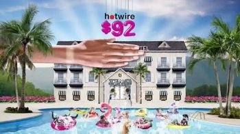 Hotwire TV Spot, 'The Hotwire Effect: Water' - Thumbnail 5