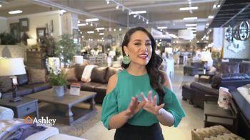 Ashley HomeStore Venta Rebajas de Fin de Temporada TV Spot, 'Sin enganches' [Spanish] - Thumbnail 1
