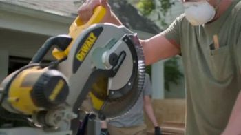 Lowe's Father's Day Sale TV Spot, 'Dad Knows Best' - Thumbnail 1