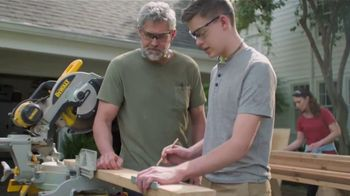 Lowe's Father's Day Sale TV Spot, 'Dad Knows Best' - Thumbnail 3