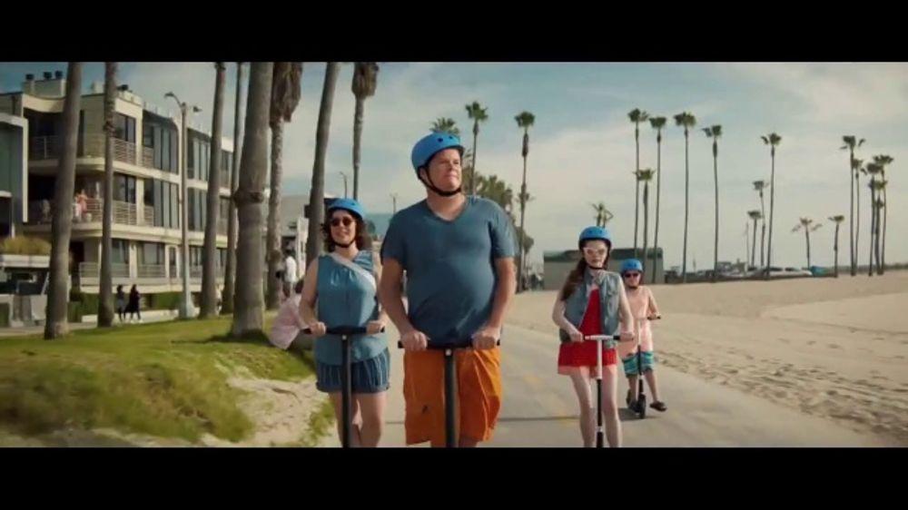 Booking.com TV Commercial, 'Summer Bucket List'