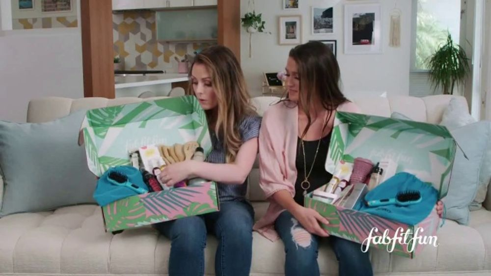 FabFitFun.com TV Commercial, 'Pick What You Want' Featuring Carly Waddell and Jade Roper
