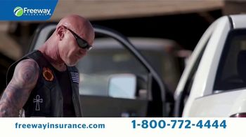 Freeway Insurance TV Spot, 'Accidente en la gasolinera' [Spanish] - Thumbnail 5