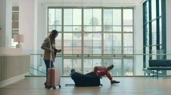 Hotel Tonight Daily Drop TV Spot, 'A Hard Deal to Deal With: Packed'