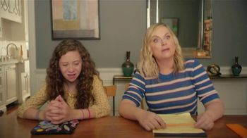 XFINITY Internet TV Spot, 'Online Time Offer: $30' Featuring Amy Poehler - Thumbnail 3