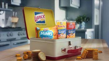 Lance Toasty Real Peanut Butter Crackers TV Spot, 'Dog Sandwich: Minis' - Thumbnail 7