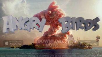 Angry Birds 2 TV Spot, 'Piggy Island' - Thumbnail 10