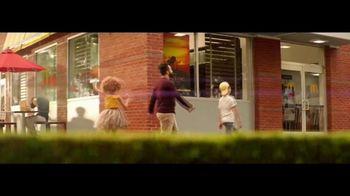 McDonald's Happy Meal TV Spot, 'The Lion King' canción de Billy Eichner & Seth Rogen [Spanish] - Thumbnail 5