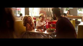 McDonald's Happy Meal TV Spot, 'The Lion King' canción de Billy Eichner & Seth Rogen [Spanish] - Thumbnail 6