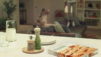 Freschetta Brick Oven Crust Five Cheese Pizza TV Spot, 'Movie Night' - Thumbnail 5