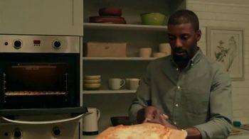 Freschetta Brick Oven Crust Five Cheese Pizza TV Spot, 'Movie Night' - Thumbnail 7